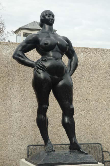 24 Gaston Lachaise - Standing Woman.JPG