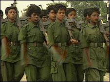 _44640793_child_soldiers_226.jpg